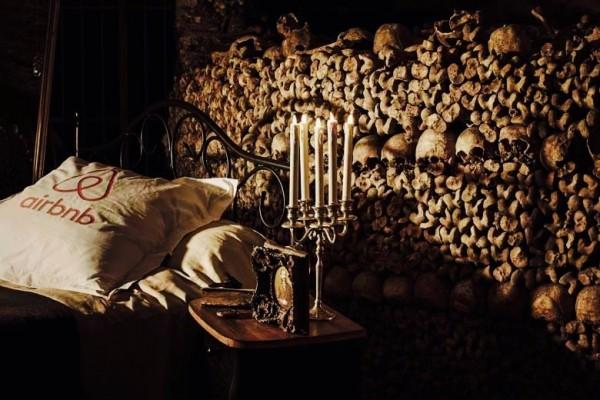 这个万圣节,Airbnb 邀你去巴黎地下墓穴和600万具尸骨同眠