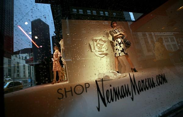 Neiman Marcus 的 IPO 悬在半空!两个月过去了,仍未确定承销商