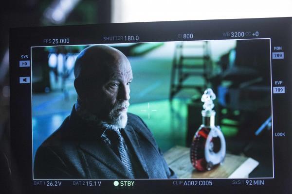 路易十三干邑拍给未来的科幻寓言电影,100年后才会首映