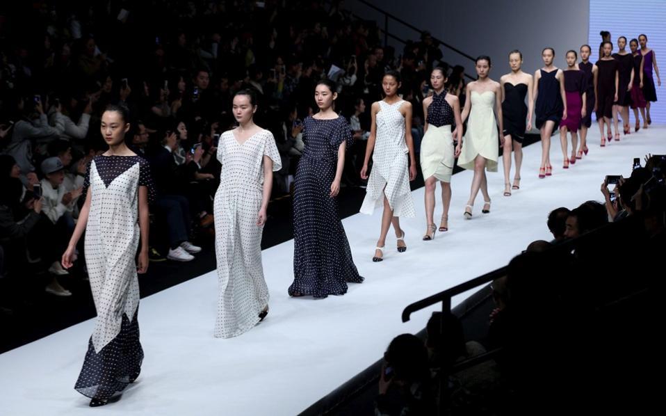 关于中国国际时装周,听听来自海外的不同声音