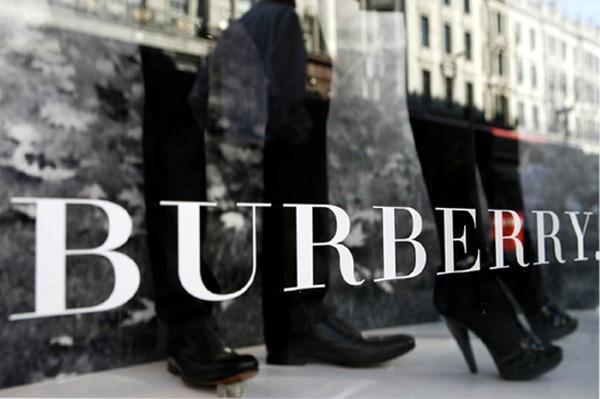 Burberry 削减开支初见成效,中国香港和大陆市场回暖