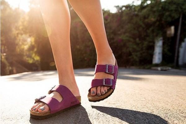 """千禧一代为何爱上老式粗笨的""""丑鞋""""?实用即新潮!"""