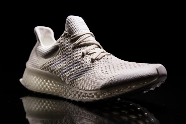 "3D打印""跑进""寻常百姓家!看 Adidas、Nike、New Balance 如何开发3D定制运动鞋"