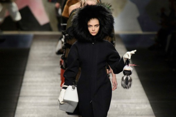"Fendi 宣布重回""超高端""定位,年销售额突破 10亿欧元大关"