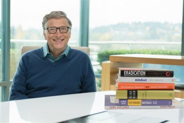 比尔·盖茨希望你2015年年末读这六本书
