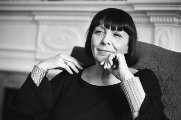 意大利成衣鼻祖、Krizia 品牌创始人 Maria Mandrill 病逝,享年 90岁