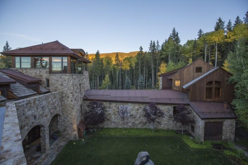 奥普拉斥 1400万美元购高科技滑雪别墅,内部设施一览