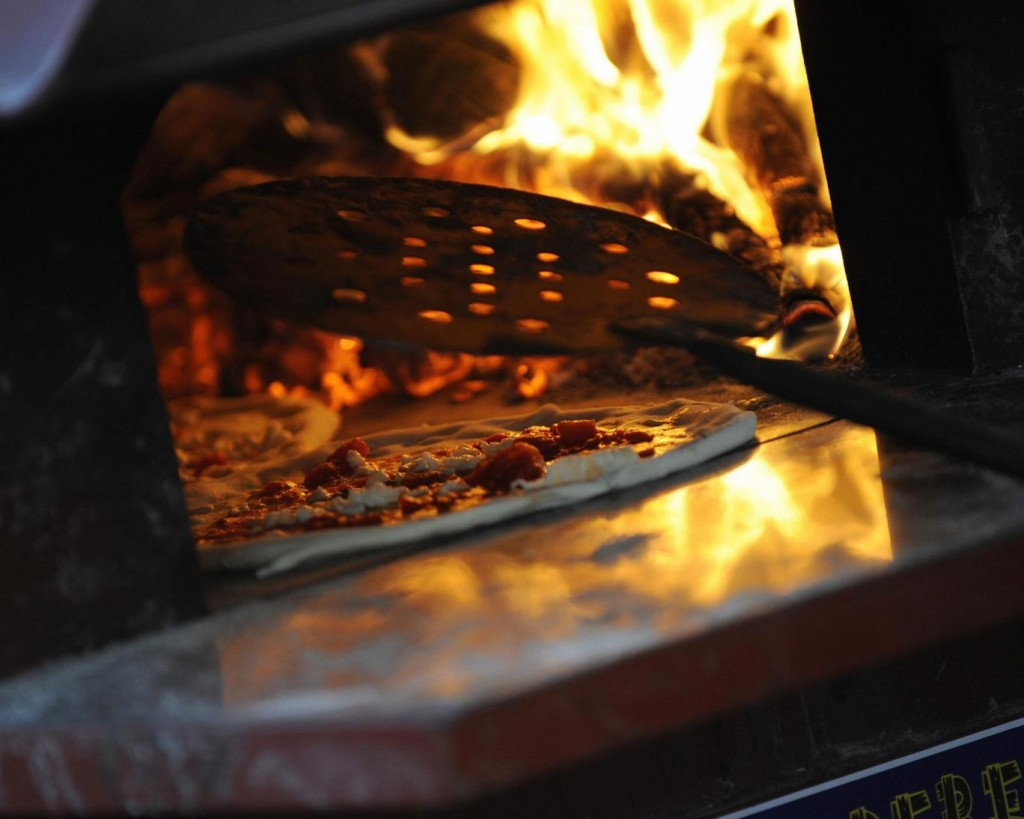 wood-fired-oven-pizza-generic