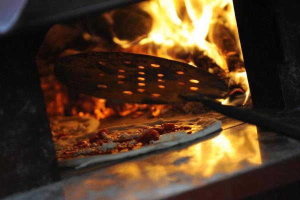 """防雾霾,意大利小镇禁止传统方法烤制披萨(这里的PM10""""高达""""50以上)"""