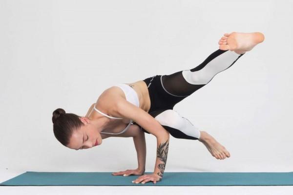 智能瑜伽裤 Nadi 实时纠正姿势,瑜伽教练要失业了!