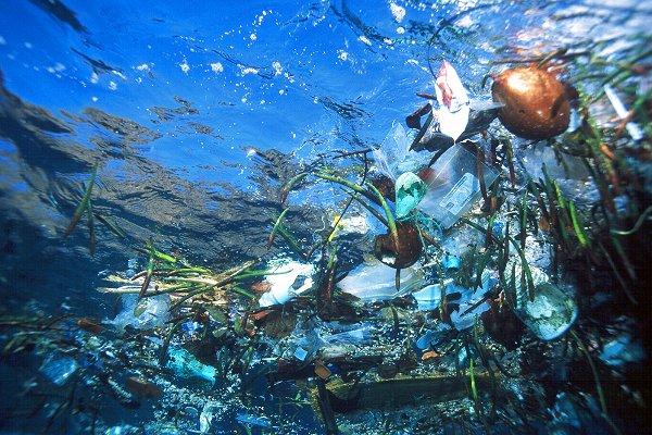 这个大坝或许将改变海洋的命运,为清洁塑料垃圾提供最终解决方案!