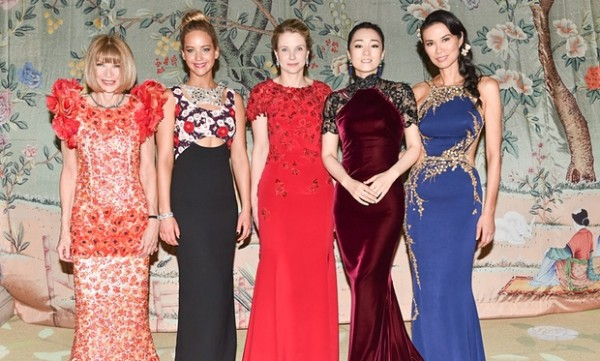 讲述《Vogue》团队是如何筹备 MET Ball 的时尚纪录片推出预告片