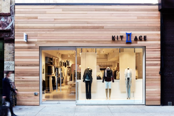 Lululemon 创始人家族打造的新品牌 Kit and Ace 放缓扩张,温哥华裁员10%