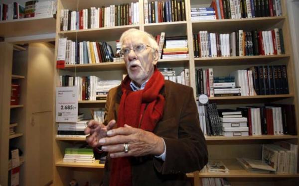 """宜家经典产品""""毕利书架""""的设计师、组装家具开拓者 Gillis Lundgren 去世"""