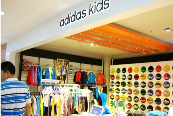 阿迪达斯2015年大中华区销售大涨 38%,五年内在华将新增3000家门店