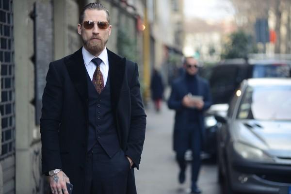 经典奢侈男装品牌 Brioni 有了新的创意总监,他是个满臂纹身的街拍达人!