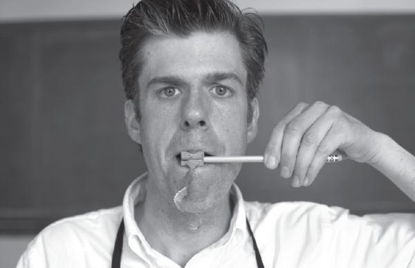 SXSW科技大会上最受人瞩目的项目居然是:手工削铅笔!