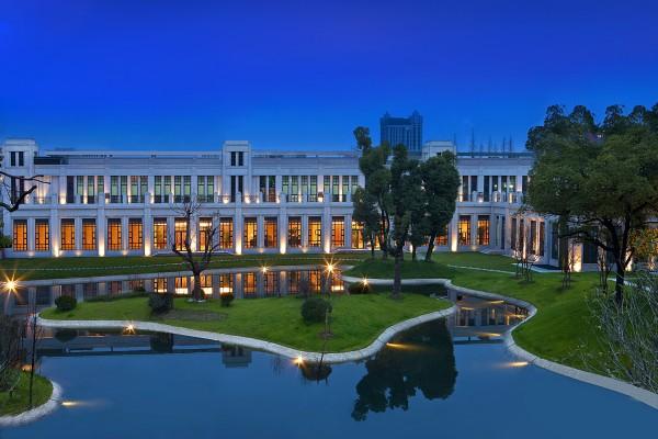 喜达屋收购案再起波澜,中国安邦提出128亿美元全现金报价,挑战万豪
