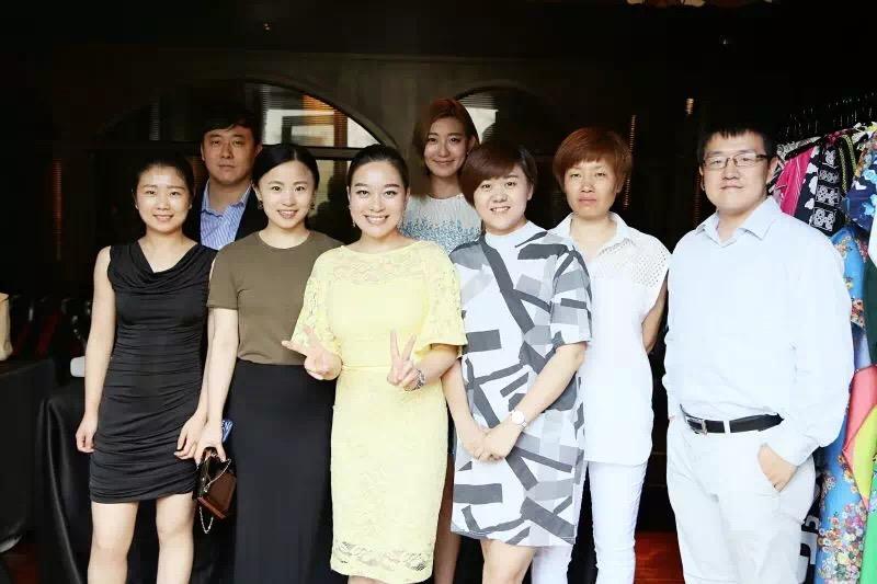 """越来越热的""""时尚租赁""""究竟怎么玩?《华丽志》独家专访""""衣二三""""创始人刘梦媛"""