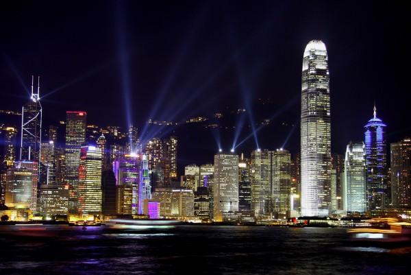 香港零售业疲软势头依然持续,2月零售额下降20.6%
