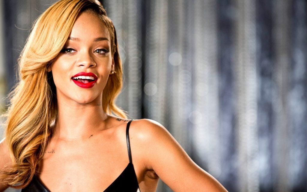 Rihanna-To-Create-Makeup-Brand-For-LVMH