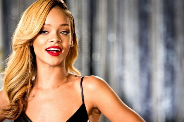 Rihanna 能捧红一切!LVMH 美妆孵化器携手 Rihanna推出偶像彩妆品牌