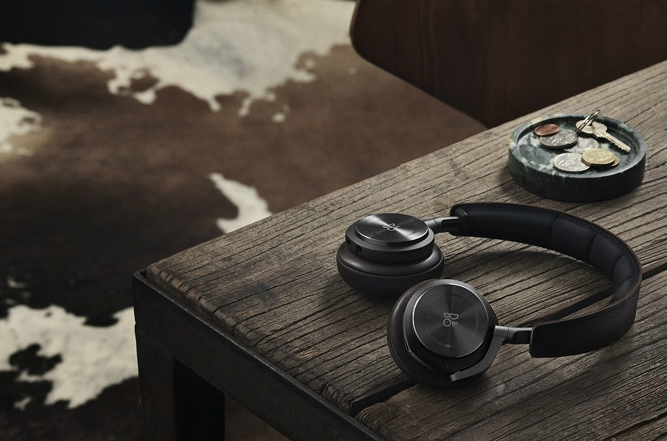 bang-olufsen-h8-headphones-960x635