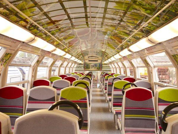 法国人把列车车厢变成了凡尔赛宫!