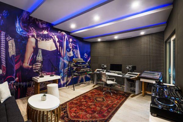 旅途中的私人音乐工作室,W 酒店为音乐人打造专属音效套房