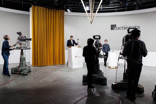 艺术品线上拍卖新巨头诞生, Auctionata 和 Paddle8 宣布合并