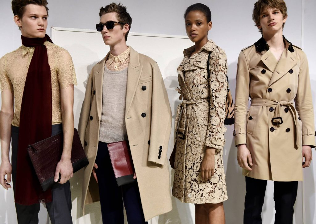 Backstage-Burberry-Spring-Summer-2016