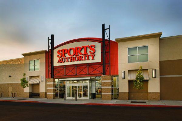 被互联网彻底打垮了!美国老牌运动用品零售商 Sports Authority 将关闭所有 460家门店