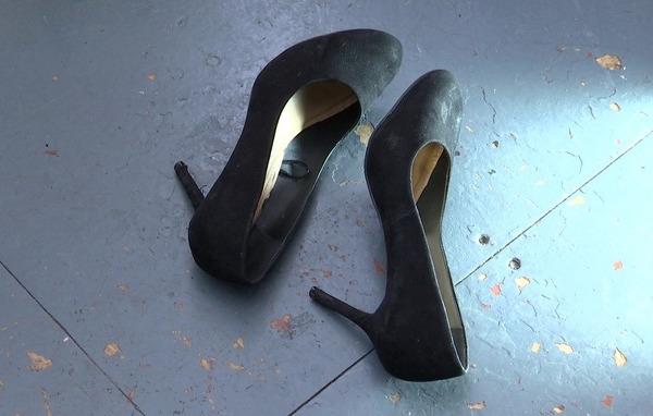 为不穿高跟鞋上班的权利而战!因着装遭普华解雇的伦敦女子发起请愿,获13.5万人支持