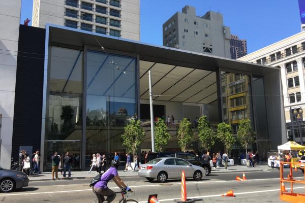 从旧金山的苹果新旗舰店看苹果的未来走向:科技与时尚的综合体