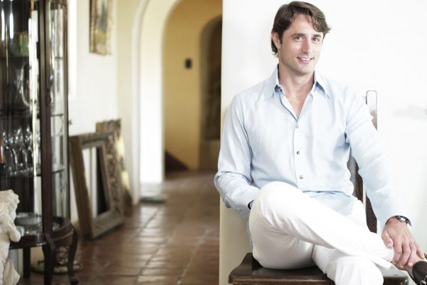 他家族里出过教皇,他的祖母创办了贝佳斯护肤品牌?意大利王子谈新一代的贵族生活
