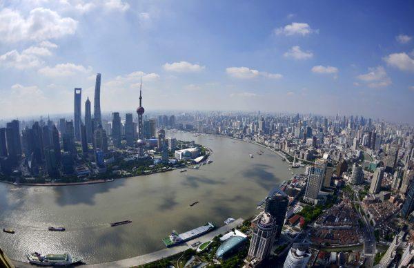 2015年亚洲富豪资产净值高达17.4万亿美元,居全球各大洲之首,中国增速第一