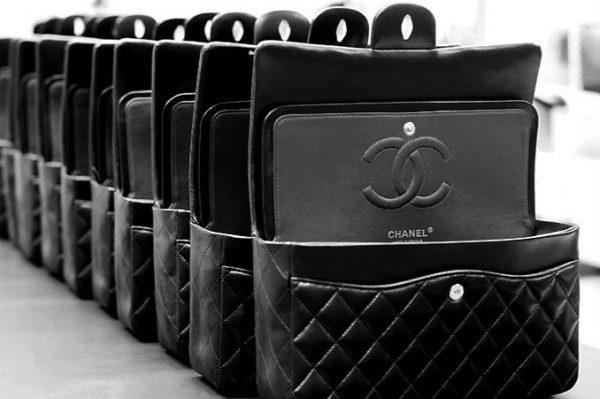 Chanel 收购160年历史的法国高级羊皮工坊 Richard,菱格纹手袋就出自这里