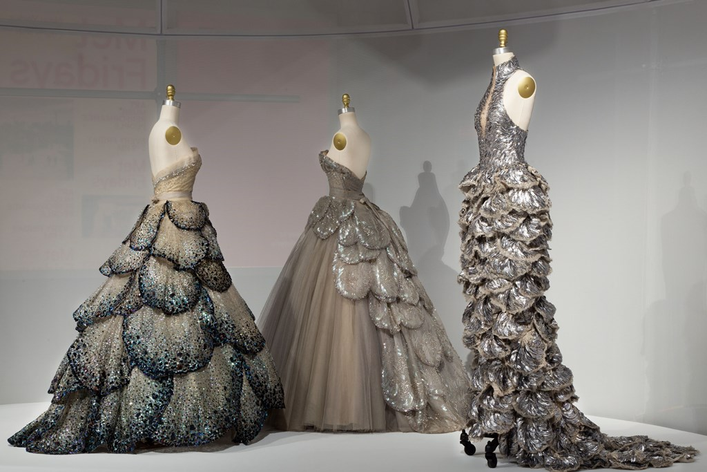 纽约大都会博物馆Manus x Machina 时尚科技与手工大展反响热烈,延展 3周