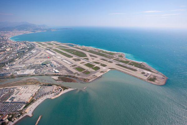 法国政府出售尼斯和里昂机场各 60%股权,11家公司竞购,总价或达16亿欧元