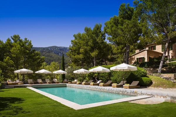 维珍老大 Richard Branson 在西班牙马洛卡岛私人庄园打造奢华度假别墅
