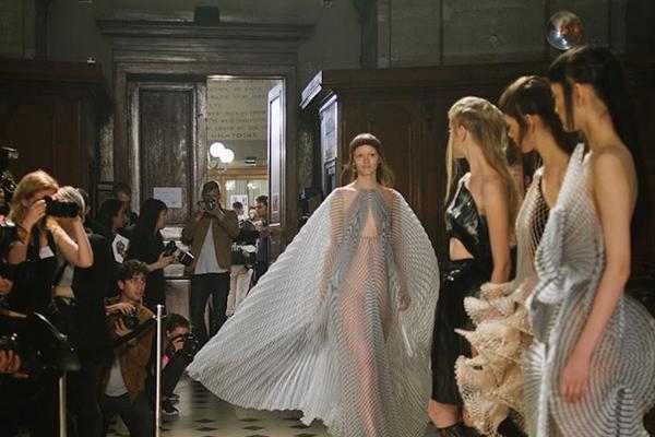 巴黎时装周发布官方日程,四位华人设计师参与