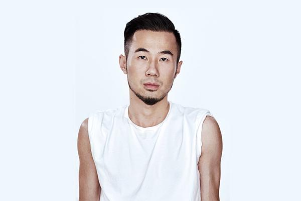 《华丽志》独家专访孙小峰:从腾讯上班族到巴黎男装周官方日程唯一中国独立设计师