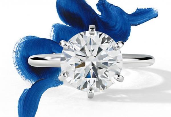 美国最大互联网钻饰品牌 Blue Nile上季度销售1.14亿美元,投资新型线下门店,致利润受损