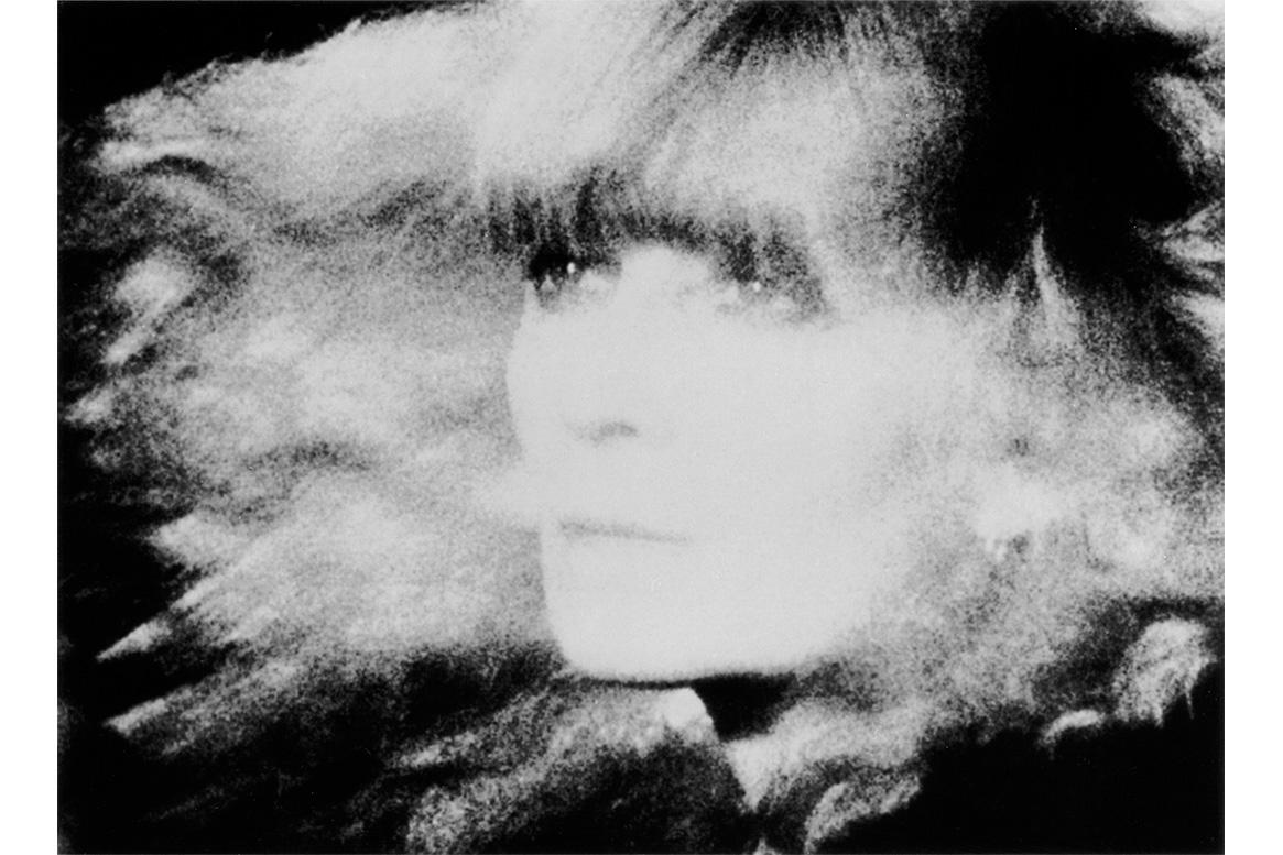 条纹紧身毛衣发明者,法国针织女王 Sonia Rykiel 去世,享年 86岁