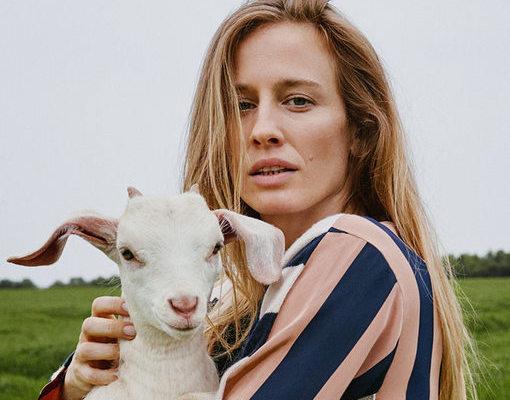 英国设计师品牌 Stella McCartney 宣布,用再生羊绒取代原生羊绒