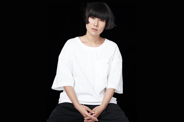 一个新锐设计师光速蜕变的一年《华丽志》独家专访王逢陈