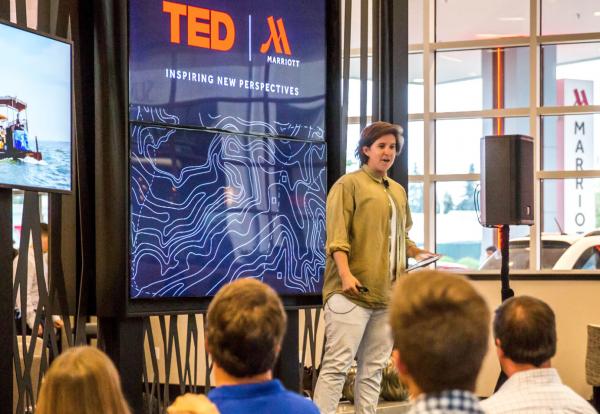 把 TED演讲会开到豪华酒店,万豪集团与TED深度合作,丰富客户体验