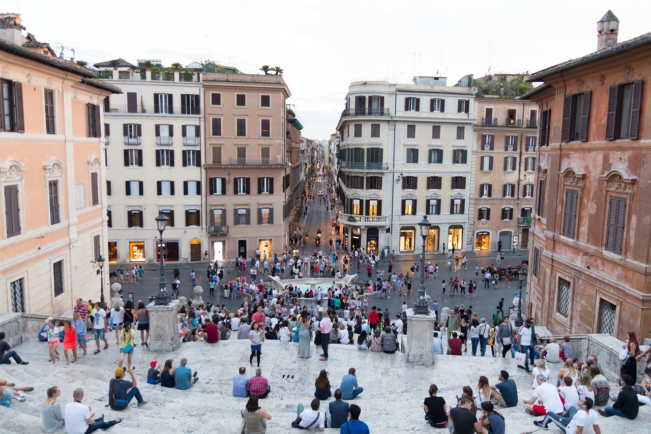 耗资150万欧元,宝格丽赞助修复的罗马西班牙台阶完工,再次向游客开放