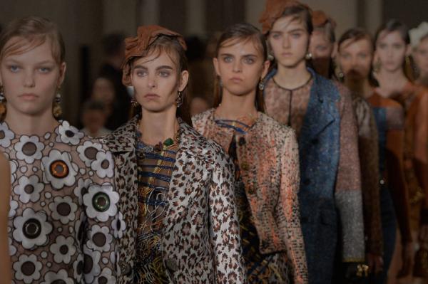 【华丽志 X MODE TALKS】澳洲时装周创始人 Simon Lock:数字时代推动时装行业变革的四大力量