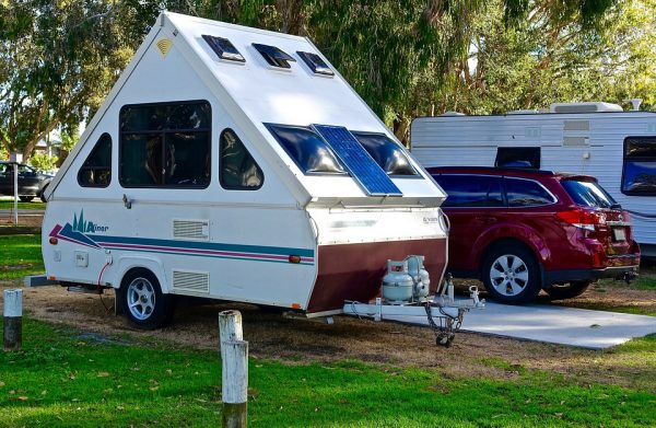 房车、拖车受追捧,美国头号休闲车辆经销商 Camping World 上市募资2.51亿美元